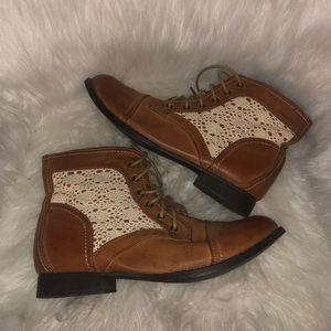 Cowgirl casual boots